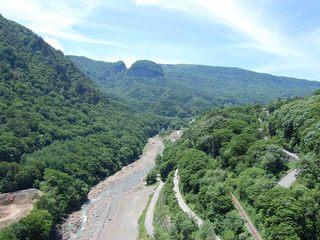 八ッ場ダム湖、不動大橋(湖面2号橋)西側景色.jpg